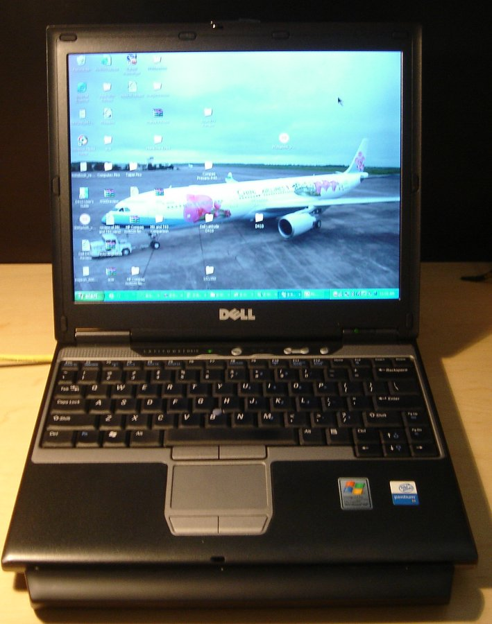 Dell Latitude D410 Review Pics Specs Notebookreview Com