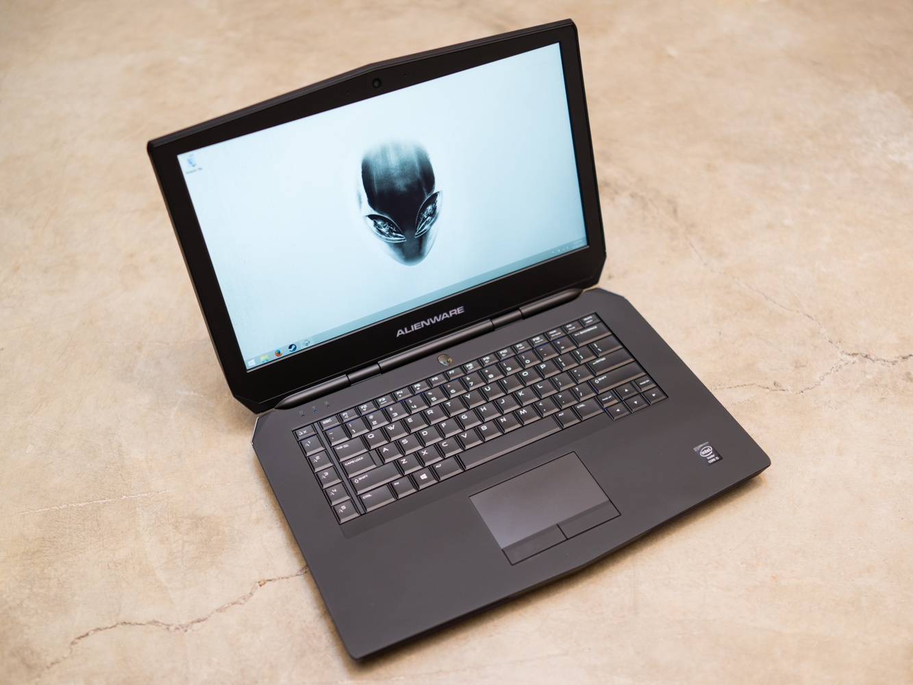 how to build a gaming laptop 2015