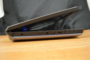 Alienware 17 (2014) ports left