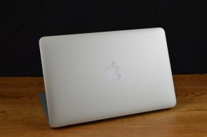 Apple MacBook Air back