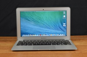 Apple MacBook Air front screen