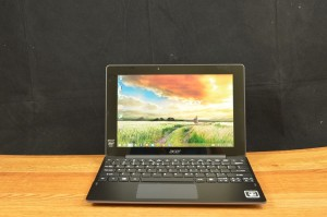 Aspire Switch 10 E front 1
