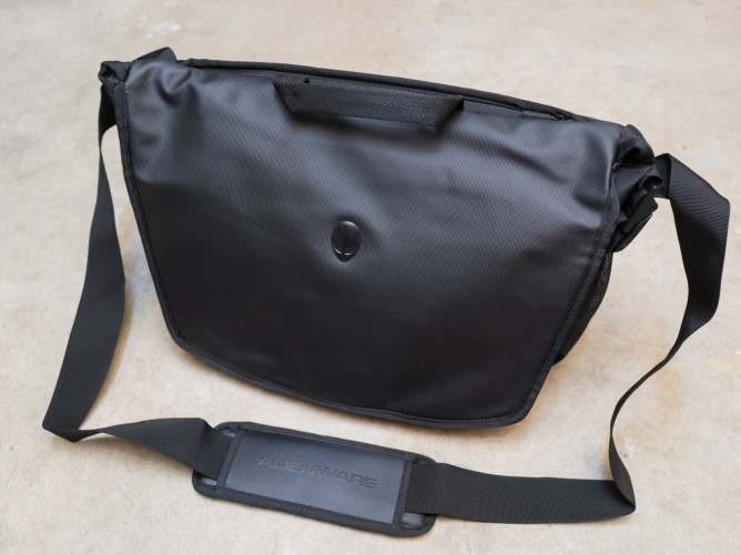 Alienware Vindicator Messenger Bag