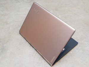 Lenovo Yoga 900S review unit