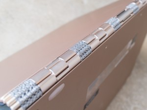 Lenovo Yoga 2-in-1 watchband hinge