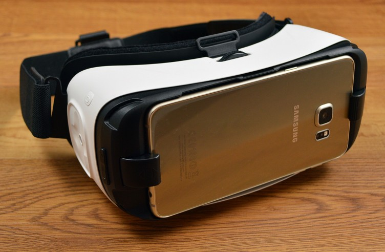 Samsung smartphones dock easily in the Galaxy Gear VR.