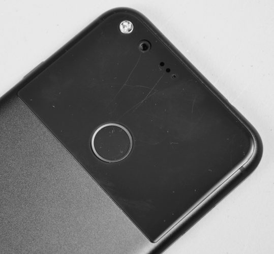 The Google Pixel XL back panel is too easy to scratch.