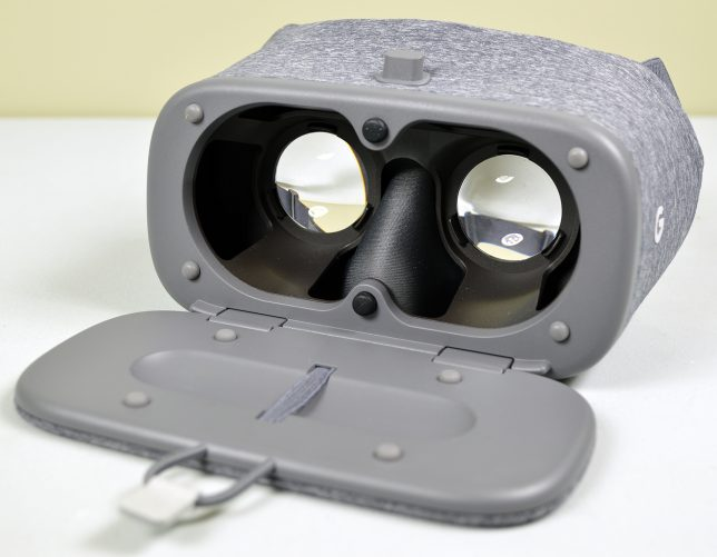 The Google Daydream View secures smartphones with a simple compartment