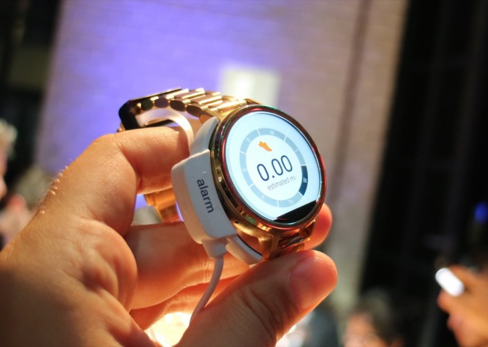 The new Moto 360 looks more like a traditional watch.