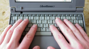 Keyboard_Hands_1920