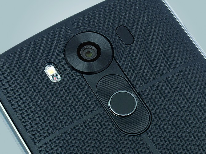 LG V10 camera and rear panel