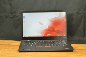 The X1 Carbon's hybrid metal chassis desing is extremely lightweight.