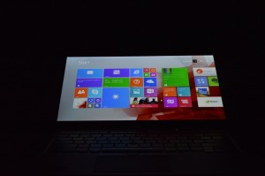 Lenovo ThinkPad X1 Carbon screen backwards
