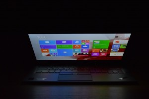 Lenovo ThinkPad X1 Carbon screen forward