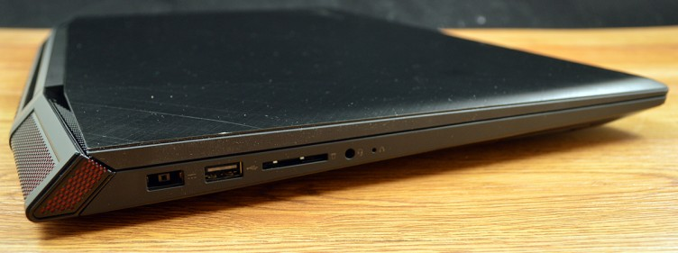 Lenovo ideapad Y700 has a Lenovo DC-in, USB 2.0 input, multi-card reader, and 3.5mm audio jack.