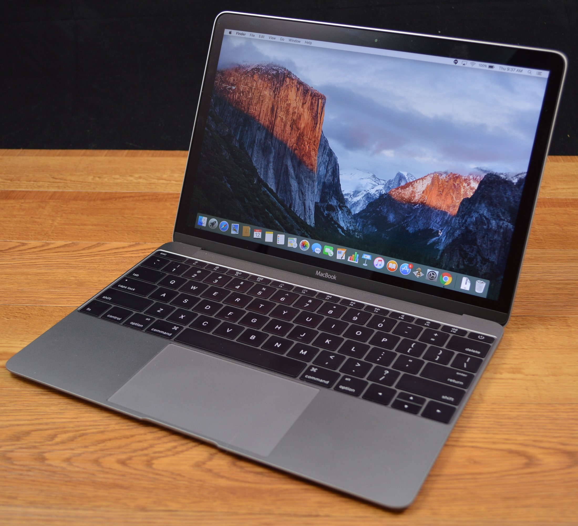 Apple MacBook (2016) Review: The Good, The Bad, The Expensive