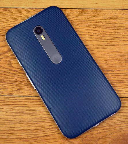 The Moto G has a removable back panel.