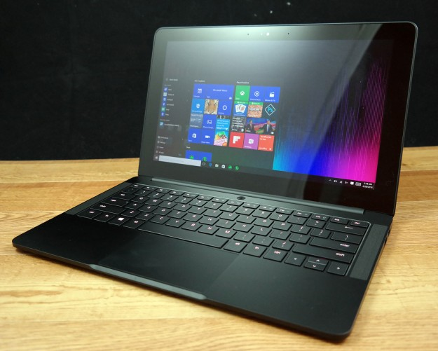 Laptops give you the tools you need to work or play from almost anywhere, and the best laptops deals from the top brands like HP, Dell, Toshiba, Lenovo, ASUS and Acer are easy to find at Staples because of our great selection.