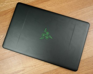 The design is simple black with only the Razer logo drawing attention.