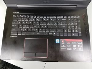 MSI GT73VR Titan Pro keyboard and touchpad