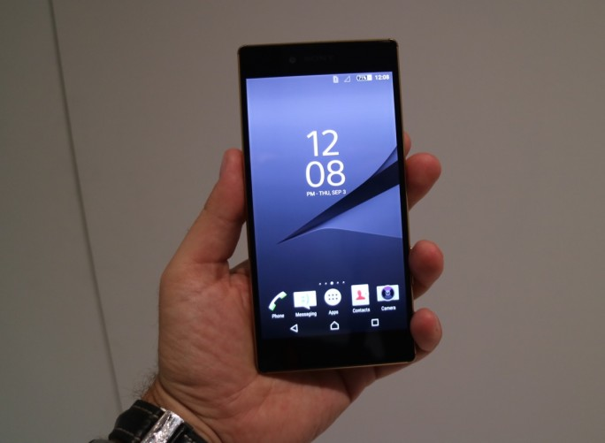 The Sony Xperia Z5 Premium as a 4K display.